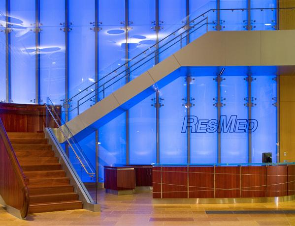 resmedinterior_0011_ResMed Blue Signage Wall